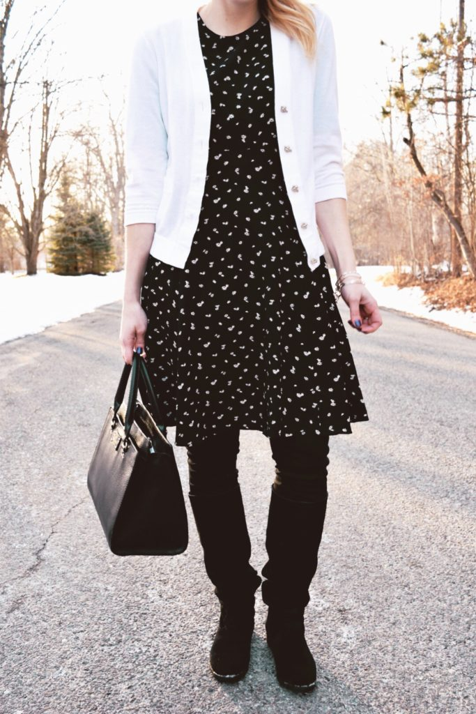 how to wear leggings modestly